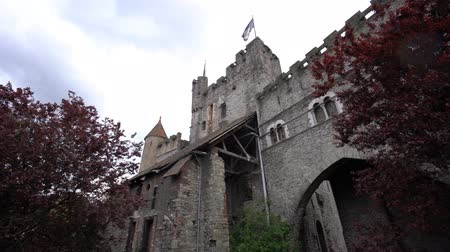 brusel : Exterior view of the Gravensteen Castle at Ghent, Belgium