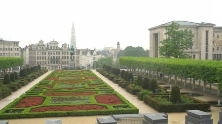 deštivý : Rainy view of the famous Mont des Arts at Brussels, Belgium