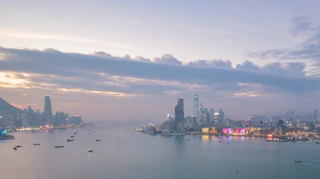definice : Sunset timelapse of the famous Victoria Harbor at Hong Kong