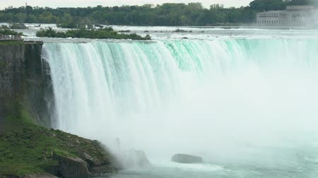 wrzesień : The beautiful Niagara Falls in a cloudy day at Canada Wideo