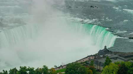 hostující : the beautiful Niagara Falls at Canada