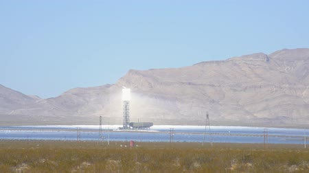 telephoto lens : The solar tower of the Ivanpah Solar Electric Generating System at California