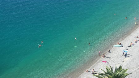 césar : Aerial morning view of the famous Angels Bay with people swimming, Nice at France