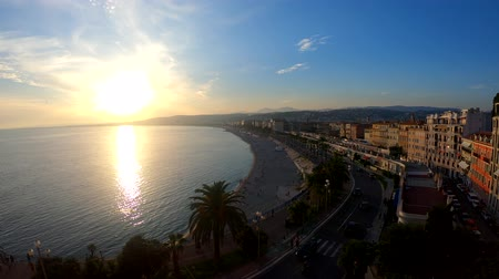césar : Aerial sunset view of the famous Angels Bay from Castle Hill, Nice at France