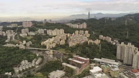 típico : Aerial view of the landscape, cityscape near Muzha station at Taipei Stock Footage