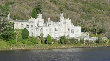 viktoriánus : Exterior view of the historical Kylemore Abbey & Victorian Walled Garden at Galway, Ireland