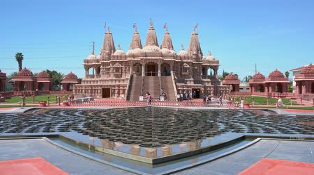 delil : Chino Hills, MAR 31: Exterior view of the famous BAPS Shri Swaminarayan Mandir on MAR 31, 2019 at Chino Hilss, California Stok Video