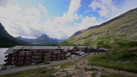 домик : Montana, AUG 25: Many Glacier Hotel of the famous Glacier National Park on AUG 25, 2019 at Montana