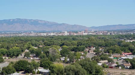 ângulo : Aerial view of the Albuquerque cityscape at New Mexico