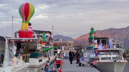 aventura : Nevada, DEC 14: Christmas boat display in the Lake Mead on DEC 14, 2019 at Nevada