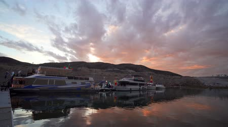 temi : Nevada, DEC 14: Christmas boat display in the Lake Mead on DEC 14, 2019 at Nevada