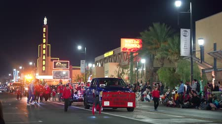 Вегас : Henderson, DEC 14: Night view of the WinterFest parade on DEC 14, 2019 at Henderson, Nevada