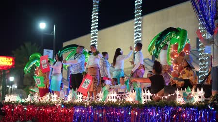 парад : Henderson, DEC 14: Night view of the WinterFest parade on DEC 14, 2019 at Henderson, Nevada