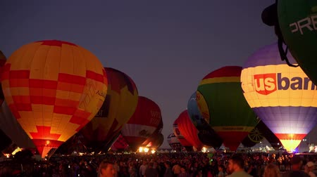 balão : Albquerque, OCT 5: Night view of the famous Albuquerque International Balloon Fiesta event on OCT 5, 2019 at Albquerque, New Mexico