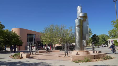 meksyk : Albquerque, OCT 6:  Sunny view of the beautiful campus of The University of New Mexico on OCT 6, 2019 at Albquerque, New Mexico Wideo