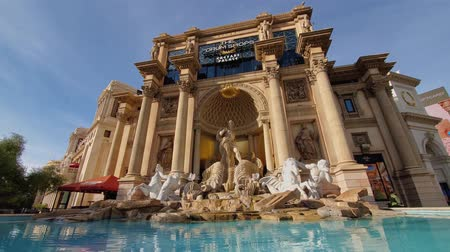 foro : Las Vegas, JAN 10: Morning view of the Apollo Fountain of the Forum Shops at Caesars on JAN 10, 2020 at Las Vegas, Nevada