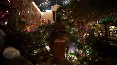izzók : Las Vegas, DEC 23: Interior view of the Sams town in Christmas decoration on DEC 23, 2019 at Las Vegas, Nevada Stock mozgókép