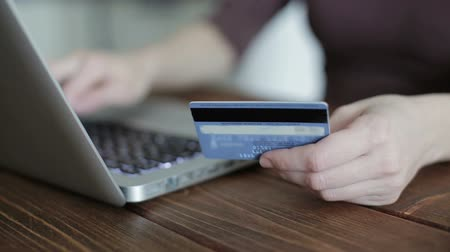 kart : Paying with credit card online