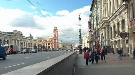 Saint-Petersburg, Russia, 03 October 2016. Group of people coming to the subway in the historic centre of the city in the autumn. Стоковые видеозаписи