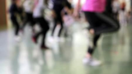 sınıf : Dance school, girls who try choreography of a ballet