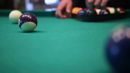 intuição : male hands setting up balls pool billiards table Stock Footage