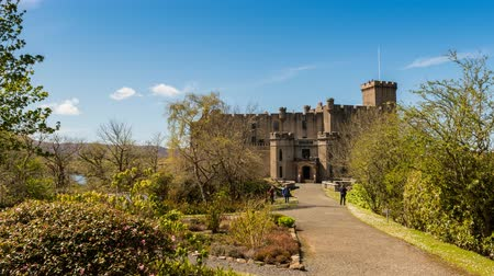 aeródromo : Timelapse of Dunvegan Castle on the Isle of Skye in Scotland, entrance and gardens with visitors. Stock Footage