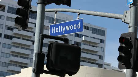 locatie : Verplaatsen shot van de Hollywood Blvd Log in Los Angeles, Californië.