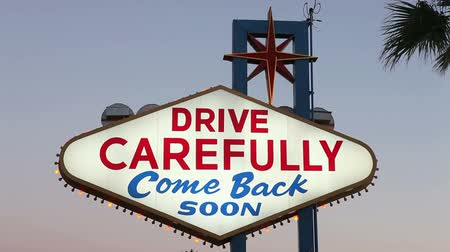 znak : Backside of Welcome to Las Vegas sign.  Drive Carefully. Wideo