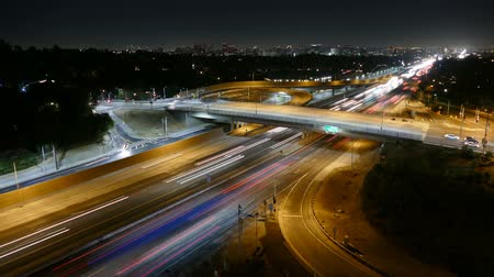 západ : Night time lapse of the San Diego 405 Freeway in Los Angeles, California. Dostupné videozáznamy