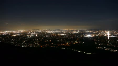 vallei : Los Angeles nacht time lapse schoot van Mission Point boven de San Fernando Valley. Stockvideo