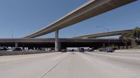 snelwegen : Los Angeles, California, USA - 10 juli 2015: San Diego snelweg 405 ten noorden en 105 Freeway Interchange in de buurt van LAX in Los Angeles.