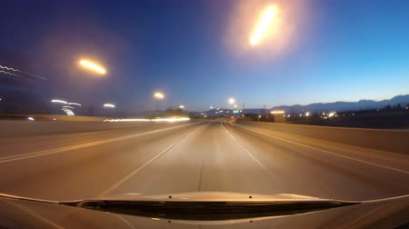 řídit : Dawn driving time lapse on the Hollywood Freeway in Los Angeles.