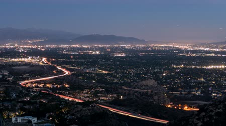 uitzicht op stad : San Fernando Valley Day to Night Time Lapse de buurt van Los Angeles California