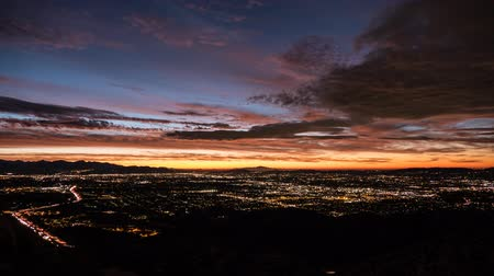 montanhas rochosas : Los Angeles predawn clouds time lapse.  Shot from Rocky Peak in the west San Fernando Valley. Stock Footage