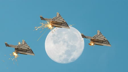roket : US Dollar Paper Airplane Formation Soars Past Full Moon Stok Video