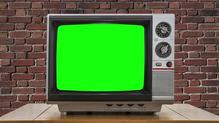 tüp : Vintage Television with Static Dissolving to Chroma Key Green Screen