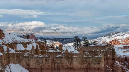 pontos : Bryce Canyon National Park clearing winter storm time lapse. Vídeos