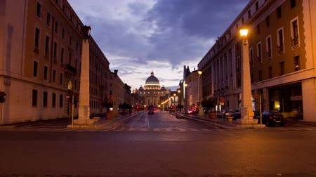 catedral : Timelapse of St. Peters Square at the Vatican at night. Stock Footage
