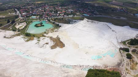 kalcium : Amazing landscape of Pamukkale. Calcium-saturated thermal waters on a mountain 200 meters high 4k