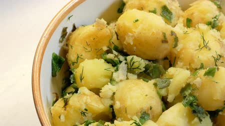 almidon : Steam over appetizing boiled potatoes with dill 4k