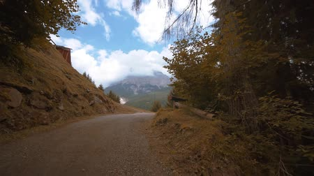 parte : Narrow road leading to the high mountains Stock Footage