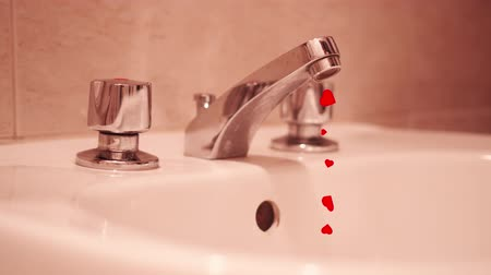 lupa : Many red hearts come out of the tap at home instead of water