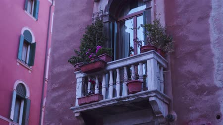 бежевый : Small balcony of the house of Venice