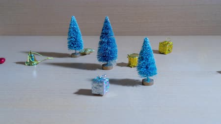 Christmas objects flow through the Christmas trees