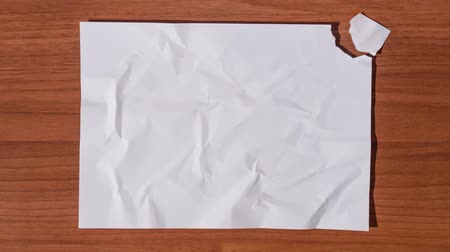 stop motion : Blank sheet of paper reconstructs itself
