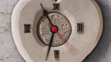 век : Timelapse of the clock on the stone Стоковые видеозаписи
