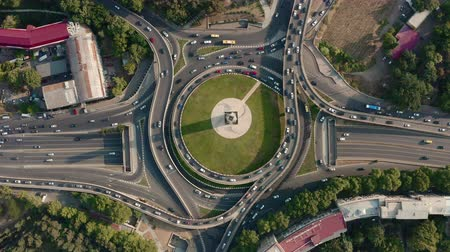 döner : Car interchange with a drone Stok Video