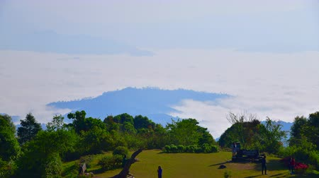 huai : Sea of fog at Doi Kiew Lom viewpoint in Huai Nam Dang national park, Thailand.