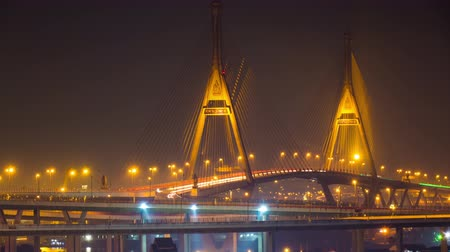 подвесной : Night view at Bhumibol Bridge in Bangkok, Thailand
