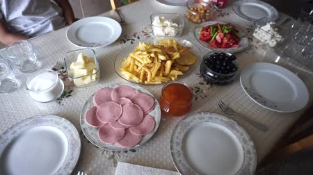 готовые к употреблению : a breakfast table ready for breakfast, a Turkish breakfast table, Стоковые видеозаписи
